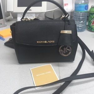 Michael Kors purse/crossbody!